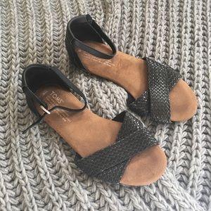 Toms black sandals size 6